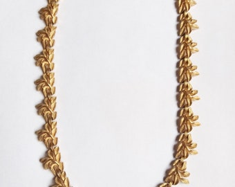 Vintage Trifari '60s Gold Tone Leaves and Stems Necklace