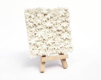 Porzellan-Blume-Platte mit Mini Staffelei