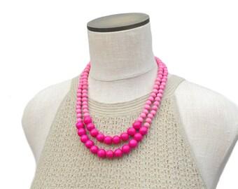 pink bead necklace / pink necklace / pink beaded necklaces / hot pink necklace / pink wood bead necklace / pink bright pink necklace
