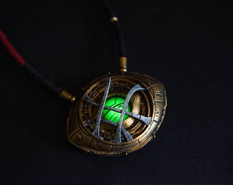 Eye of Agamotto Replica, Doctor Strange (2016) -with Magnetic Backplate