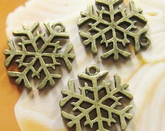 6 pcs - 20mm antique brass snowflake charms(CM016)