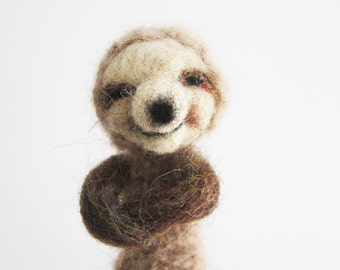 Decorative Soft Toy, SLOTH FINGER PUPPET, needlefelted from wool, children, kids, baby