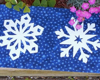 Evening Snowflakes Runner Pattern