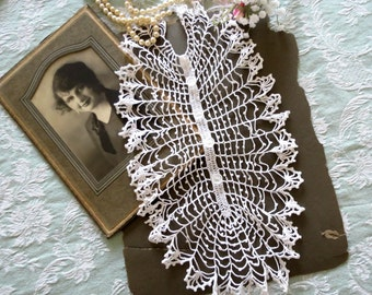 Women's Vintage Jabot, White Lacy Crocheted Jabot with 4 Clear Buttons, Women's Vintage Accessories