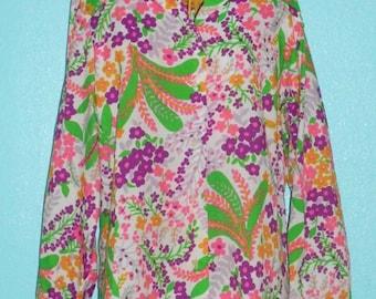 "Vintage 70s ""Graff"" Mod Floral Print 100% Poly Ladies Blouse— Size XL, 16-18"