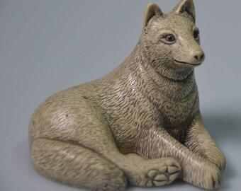 "eb2240 Fox Wolf Figurine Arctic Fox ? 2.75"" Long by 2.5"" Tall Grand Marais Minnesota Not Sure Of Material - Organic or  Resin ?"