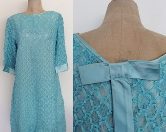 1960's Blue Ribbon & Lace Shift Dress w/ Bow Back Size Medium Large by Maeberry Vintage