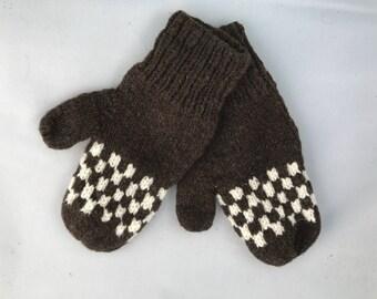 Colorwork wool mittens