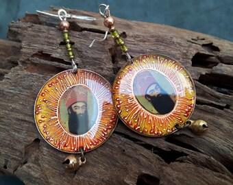 The king portrait earrings