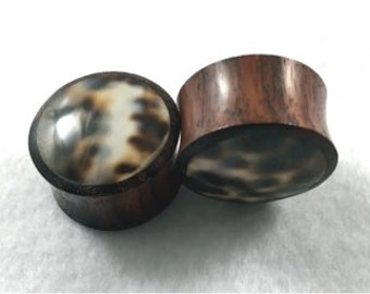 Pair of Organic Brown Sono and Black Dot Shell Solid Plugs