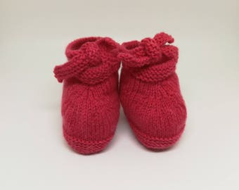 Pink baby booties / / wool baby booties