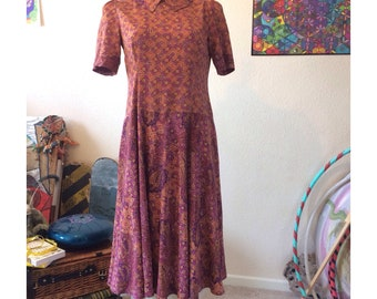Vintage 1970s Retro/Bohemian Red and Orange Paisley and Florals Print Dress size 10/12 - Boho - Gypsy - Hippie
