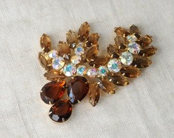 Vintage Amber Color Rhinestone Brooch, Brown, Gold Tone, Statement Brooch,  KC125