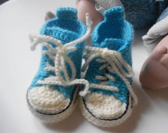 Bootie sneakers for baby soft yarn