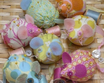 Mice Pincushion PDF Pattern - mouse seam binding ribbon retro cushion fabric felt wool pin keep doll spring decor primitive