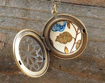 Wallpaper Locket Necklace Vintage Print Leaf Jewelry Leaves Filigree