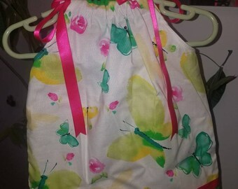 Butterflies and Rosebuds Baby Girl Pillowcase Style Dress. Size 6-12 months