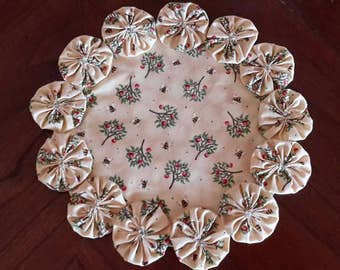 """Three Dimensional Doily, Round Yo Yo Candle Mat, Fabric Display Scarf, 100 percent Cotton, 10"""" Round, Kitchen display Apples and Honeybees"""