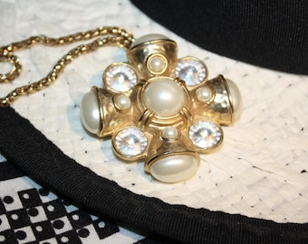 CROSS vintage style gold color pendant with pearl and crystals