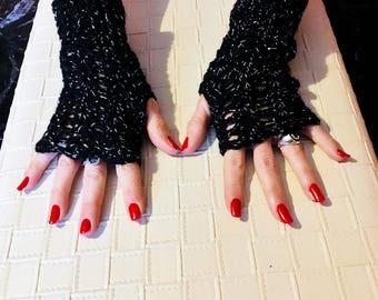 Fingerless black gloves and silver handemade crochet