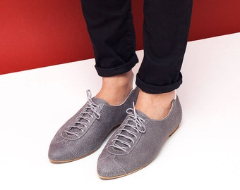 Women leather shoes, women shoes, gray flat shoes, women oxford shoes, gray tie shoes, grey and white shoes. Alexander model