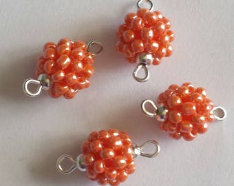 4 seed connectors (2.5 mm) peach pearl beads