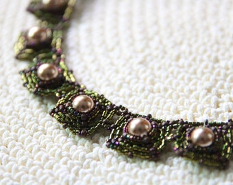 Pearl Series – Bead Woven Necklace in Metallic Green