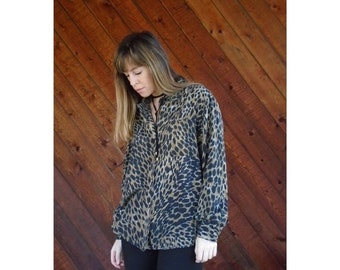 EXTRA 20% OFF SALE.... Leopard Print Silk l/s Button Blouse - Vintage 90s - M/L