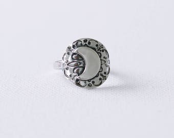 Moon Silver Shield Ring, Large Celestial Ring, Gift for her, Crescent Moon Sterling Silver Ring