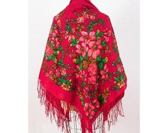 Vintage Russian folk scarf / Gypsy fringed floral wrap / Ukrainian style wool rose print large scarf