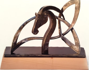 Horse sculpture with Celtic knot