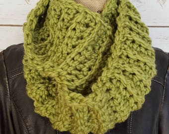Scarf, Green Scarf, Infinity Scarf, Green Cowl, Pea Green Scarf, Neck Warmer, Circle Scarf, Handmade Crochet Scarf, Chunky Infinity Scarf