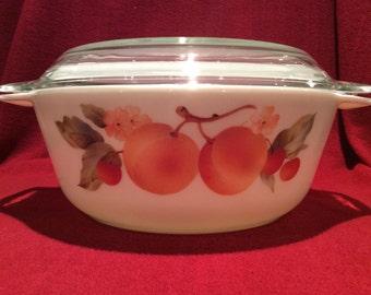 Pyrex Peaches Round Casserole Dish 2 Litre circa 1980