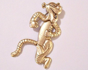 Tigger Tiger Disney Pin Brooch Gold Tone Vintage Long Striped Dancing Swinging Laughing Winnie The Pooh Long Tail Satin Movable