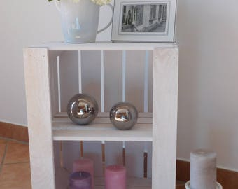 """White wooden crates with intermediate floor + bezel """"shabby-chic"""""""