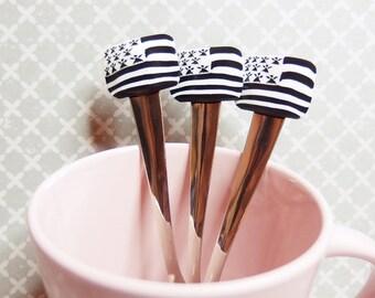Spoon flag pendants, Brittany, ha, Breizh Gwenn Breton. polymer clays: Fimo, sculpey, cernit)