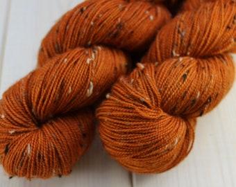 Hand - dyed skeins Fingering - superwash Merino Wool and Nylon NEP. - 100 g / 400 m - pumpkin