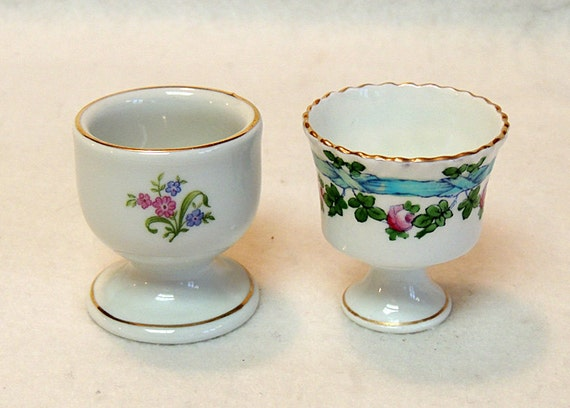 2 Vintage Egg Cups.. Bareuther Bavaria Germany & Hand Painted Rose Ribbon