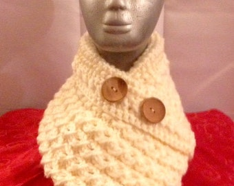 Cowl in Cream Chunky, Cable Effect