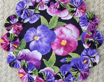 """Viola 12"""" Yo Yo Doily - Purple and Pink"""