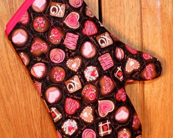 Oven Mitt in Chocolate Candies Print