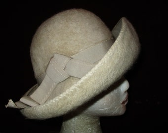 Vintage beige Merrimac Merri-Soie fur felt wool hat