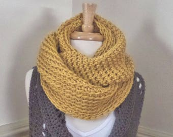 Chunky Infinity Cowl Scarf (Willow), Circle, Loop, Eternity, Chunky -- Custom Colors Available