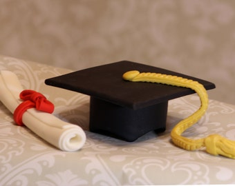 Fondant Graduation Cap and Diploma