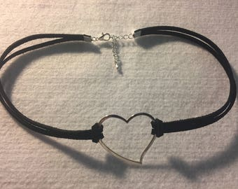 Suede choker with charm