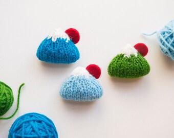 Fuji San knitted amigurumi brooch - Mount Fuji