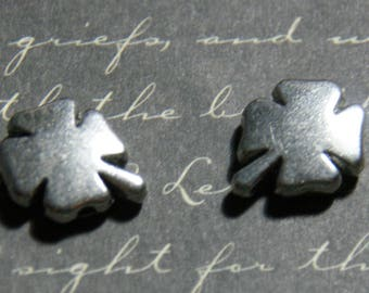 2 beads silver-plated 4x12x15mm clover