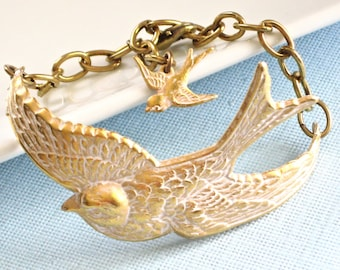 Bird Bracelet Cuff -  Gold, White. Bird Jewelry, Nature Jewelry, Bird Bracelet, Gold, White