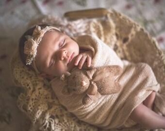 Knitted bear lovie