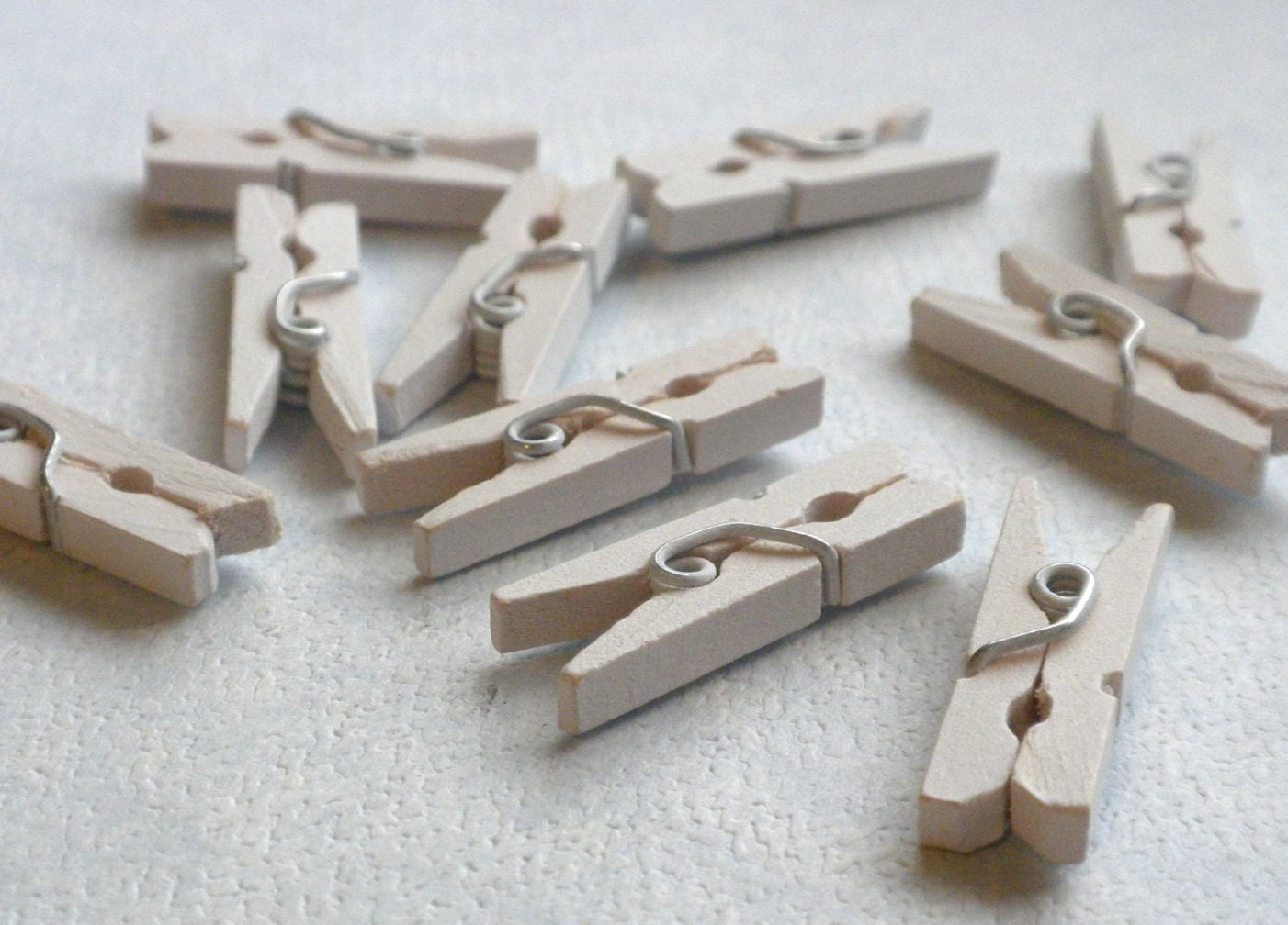 White Mini Clothespins - 25 - 1 or 2.5 cm - Wooden - Great for ...